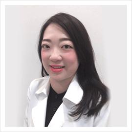 Smiley 歯科医師 吉岡 キヨコ